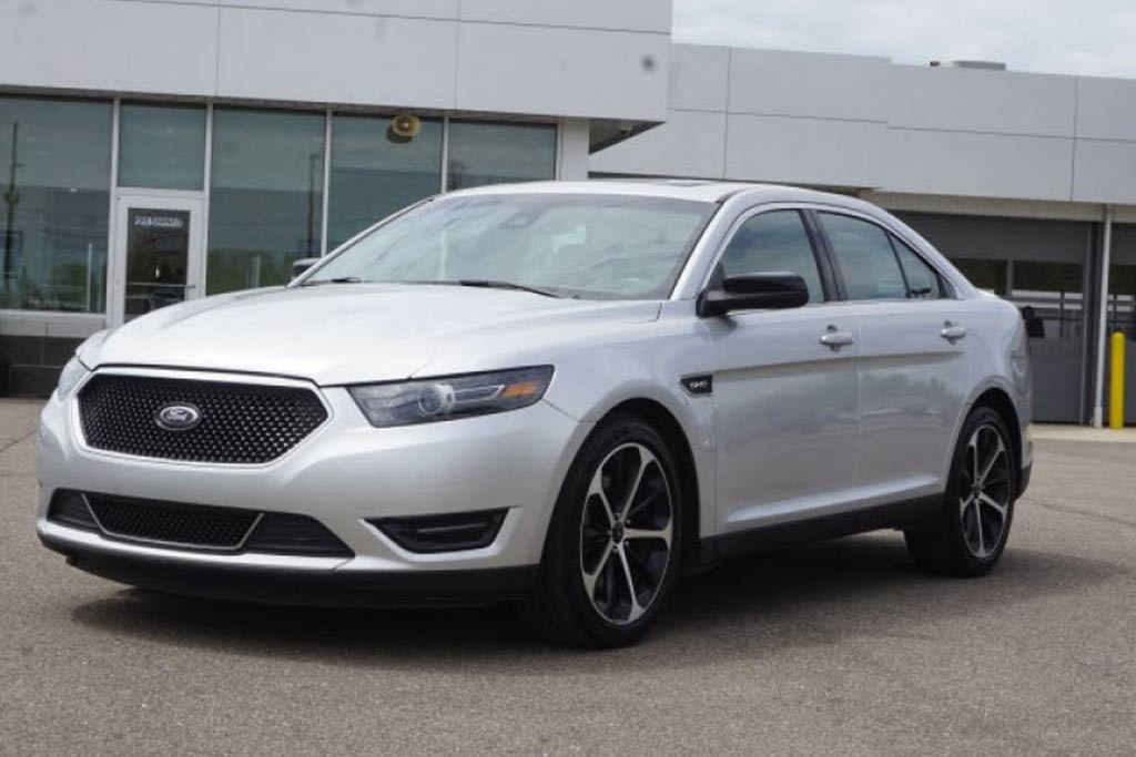 2013-ford-taurus-sel-awd-instrumented-test-review-car-and-driver-photo-461441-s-original.jpg