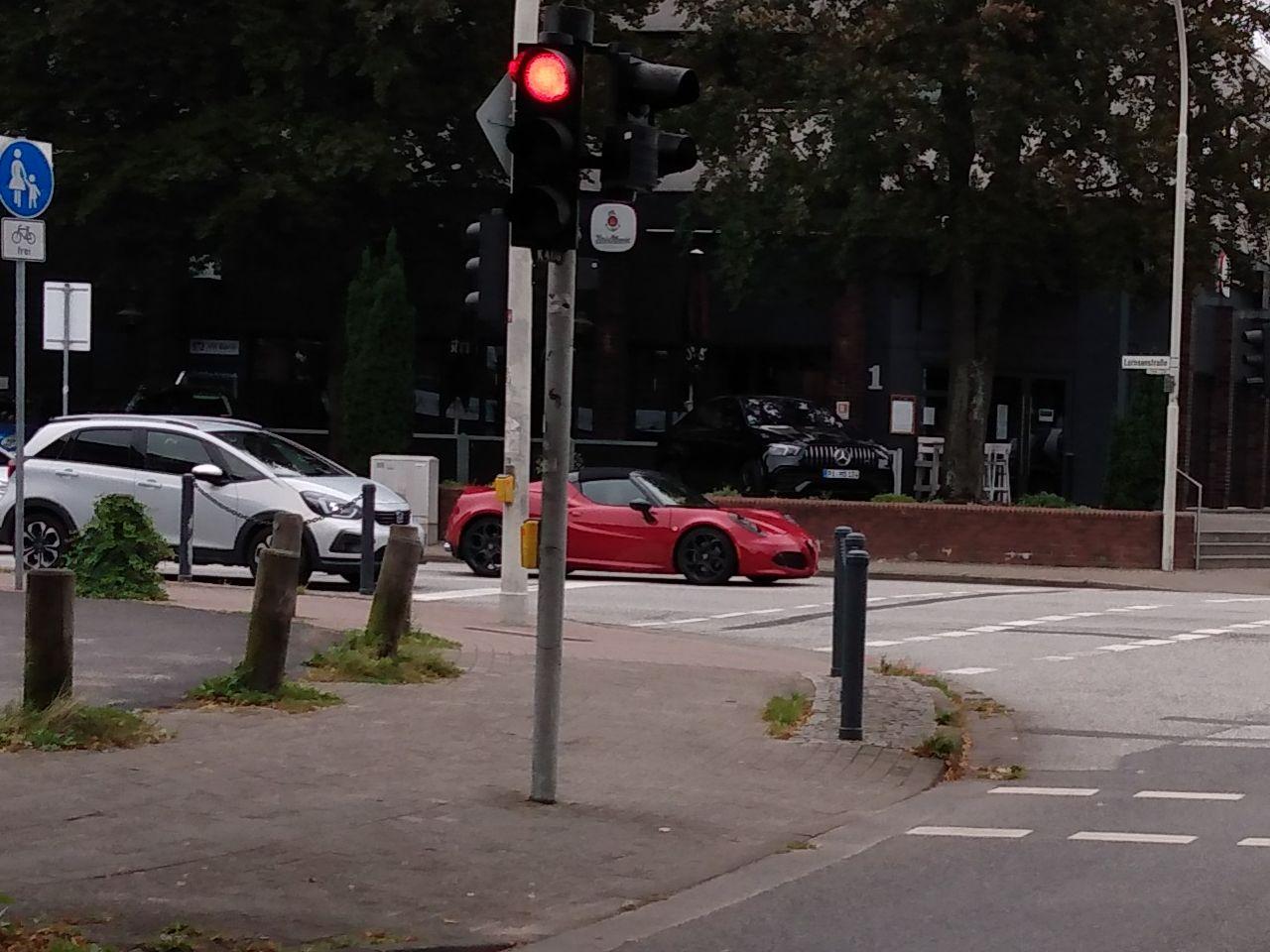 Alfa Romeo 4C Spider.jpg